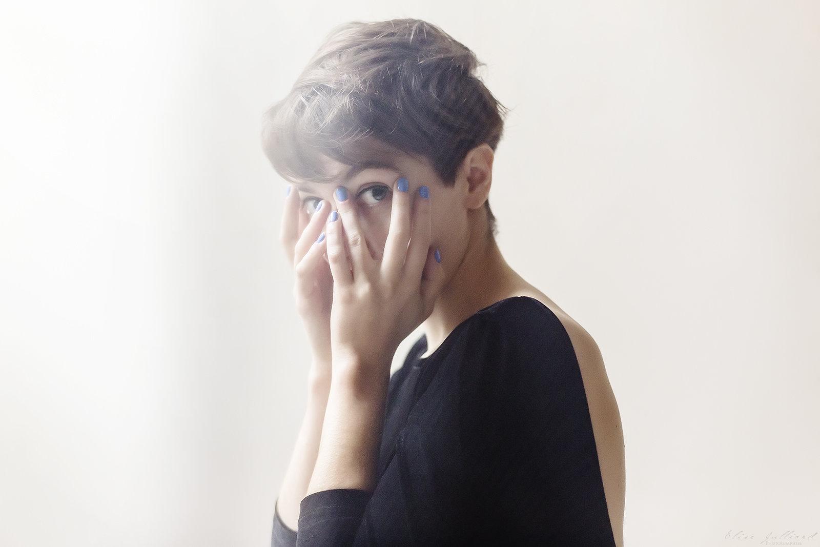 elise-julliard-photographe-lyon-seance-photo-book-comedienne-actrice-portrait-professionnel-rhone-alpes-femme