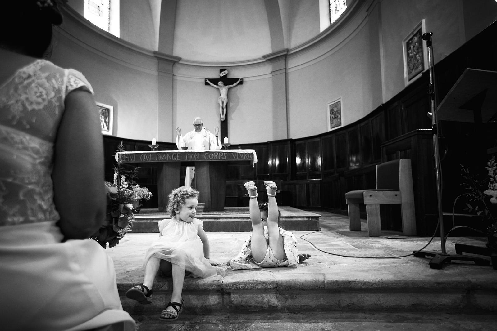 elise-julliard-photographe-mariage-wedding-photographer-reportage-bourgoin-jallieu-la-tour-du-pin-love-session-photo-de-couple-ceremonie-champetre-amour-eglise-4