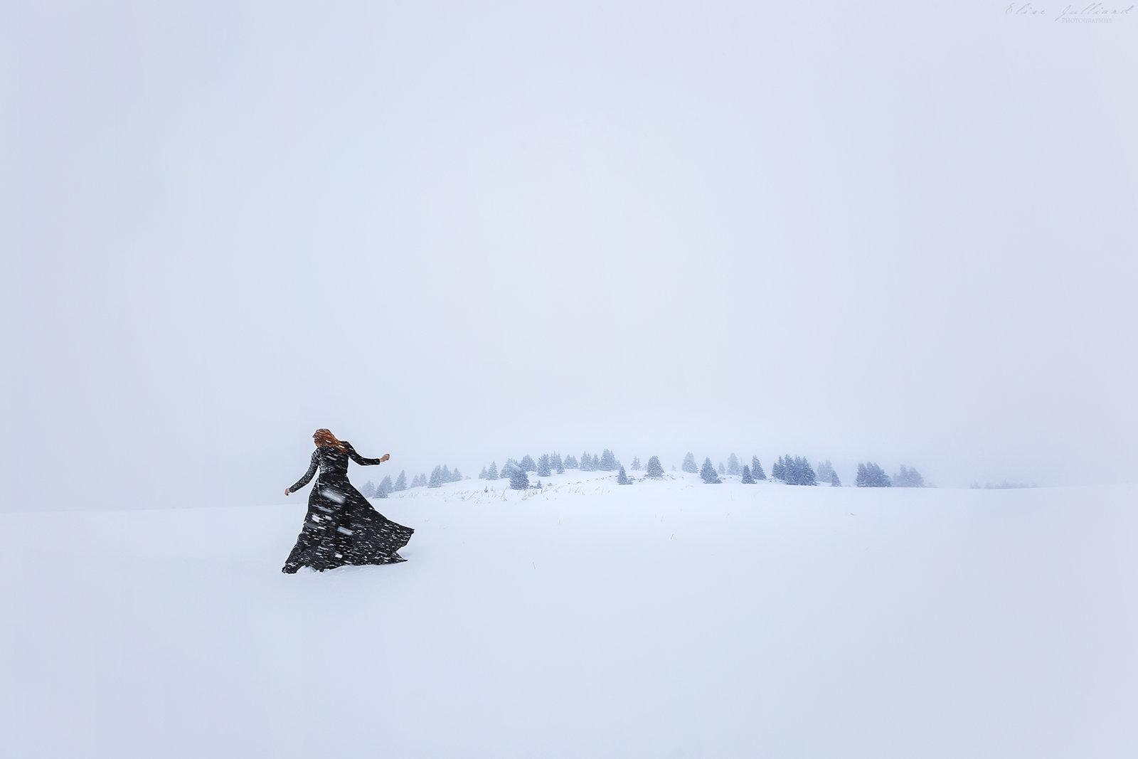 elise-julliard-photographe-portrait-modele-montagne-nature-danse-rousse-haute-savoie-neige