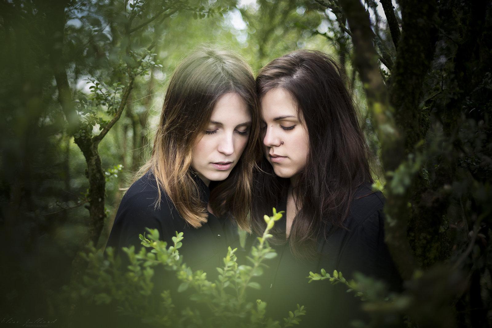 elise-julliard-photographe-portrait-modele-travaux-personnel-duo-roche-de-solutre