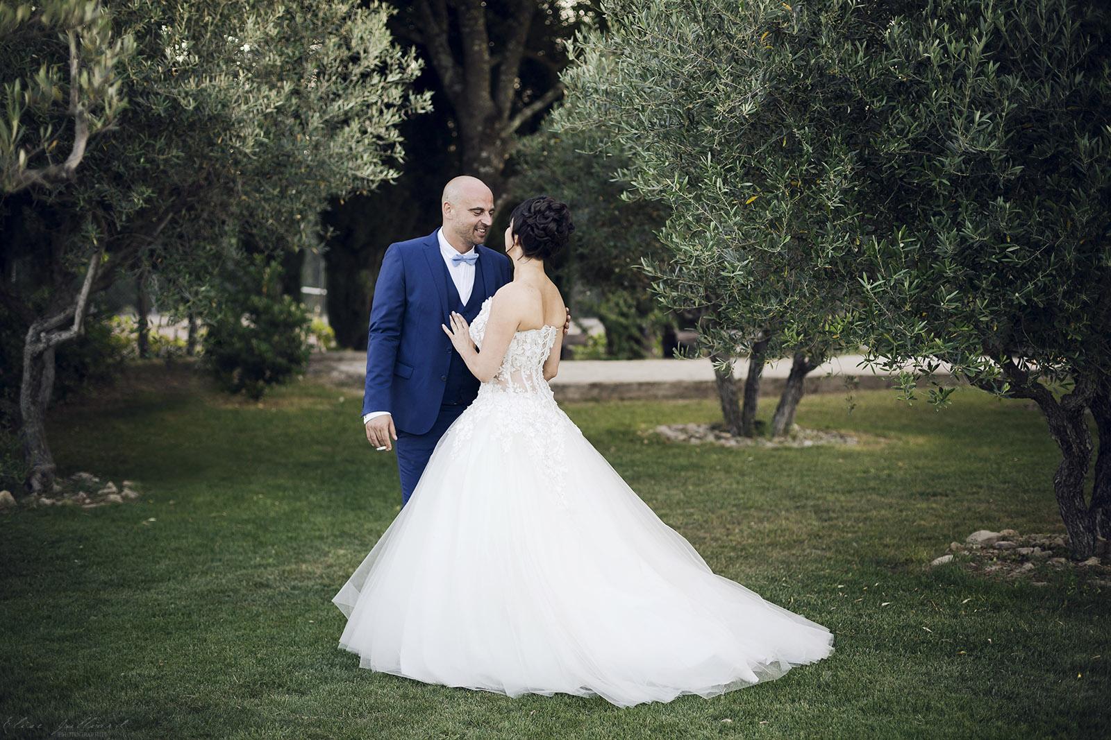 mariage-nimes-provence-alpes-cote-azue-languedoc-occitanie-domaine-la-baraque-de-serignac-alliances-olivier-wedding-reportage-seance-photo-couple-elise-julliard-photographe-3
