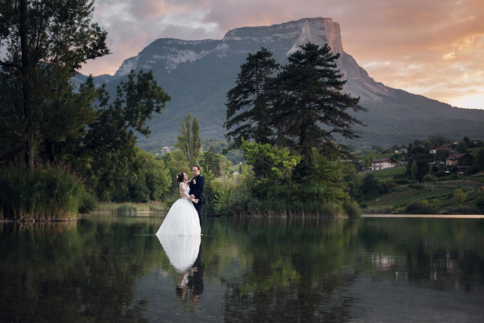 mariage-photographe-elise-julliard-wedding-love-session-lac-saint-andre-auvergne-rhone-alpes-lyon-chambery-seance-photo-couple-trash-the-dress