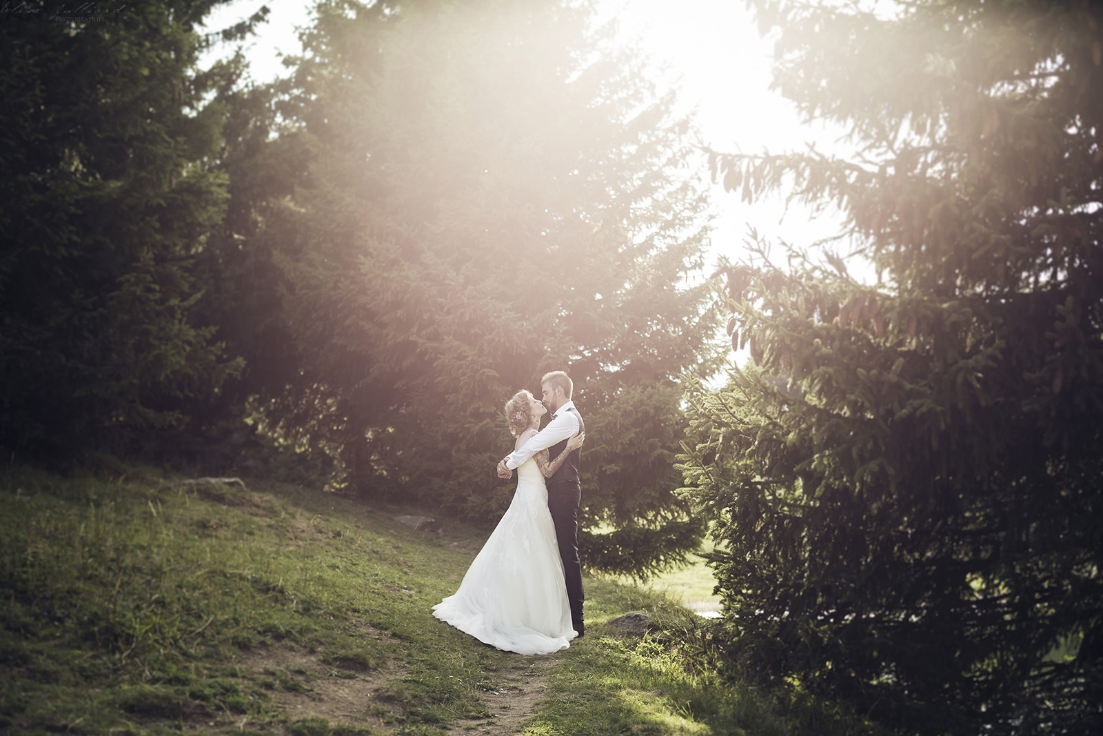 mariage-seance-couple-amour-amoureux-wedding-photographe-elise-julliard-lyon-auvergne-rhone-alpes-savoie-saint-francois-longchamp-maurienne-3
