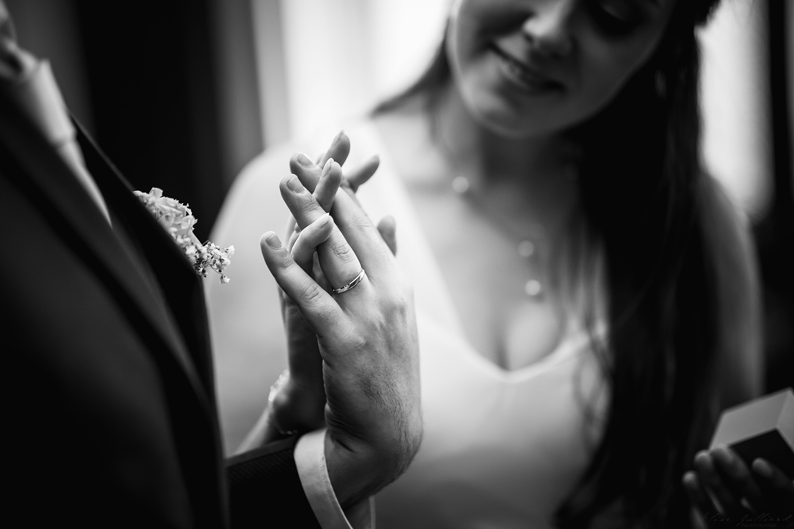 mariage-wedding-photographe-photographer-reportage-couple-love-session-seance-photo-vieux-lyon-auvergne-rhone-alpes-les-terrasses-du-parc
