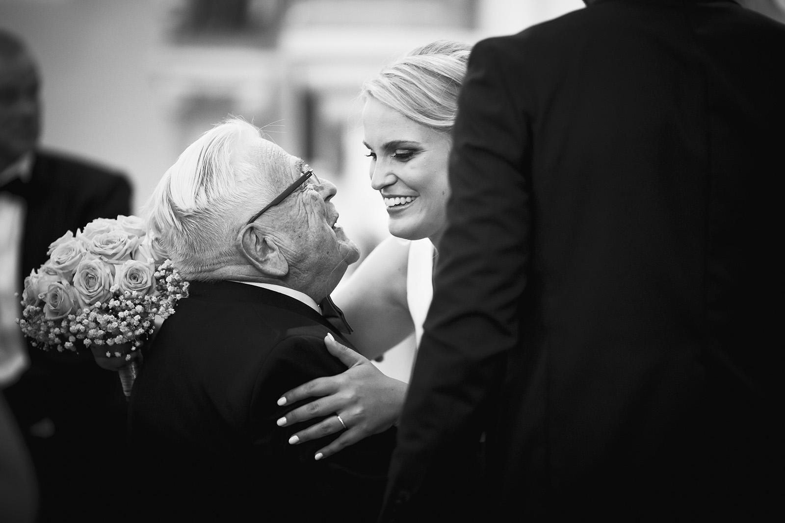 mariage-wedding-seance-photo-couple-amoureux-portrait-famille-reportage-elise-julliard-photographe-photographer-lyon-roanne-auvergne-rhone-alpes-chateau-de-matel-7