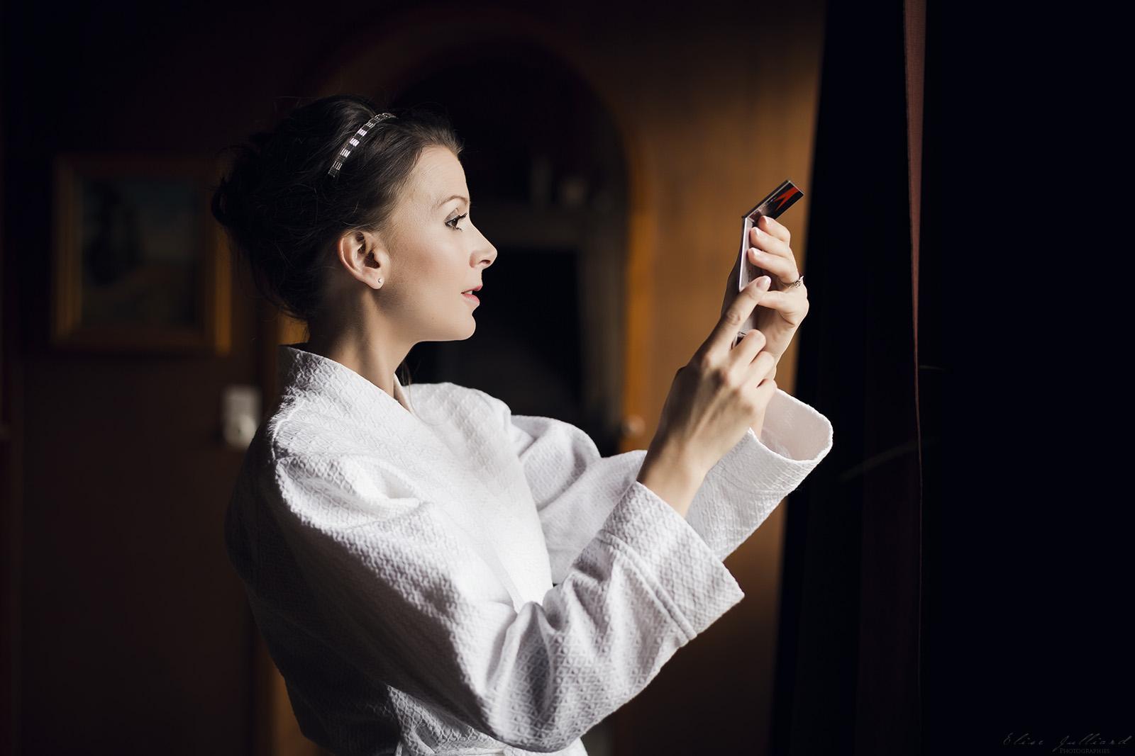 photographe-mariage-reportage-photo-wedding-preparatif-preparatifs-mariee-marie-maries-macon-saone-et-loire-auvergne-rhone-alpes-lyon-bourg-en-bresse-chateau-de-salornay