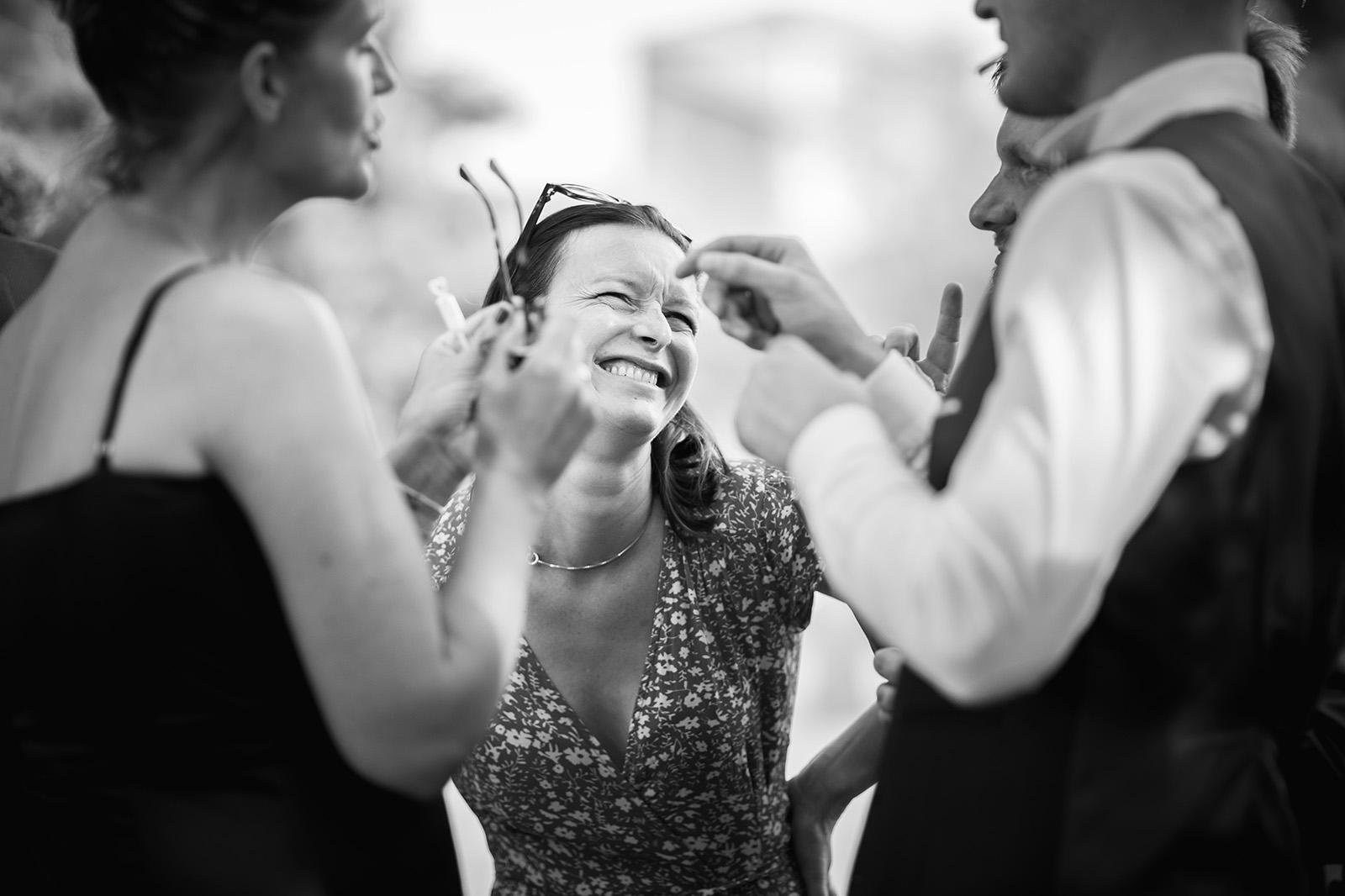 photographe-mariage-reportage-wedding-photographer-ceremonie-anse-domaine-de-benevent-beaujolais-elise-julliard-lyon-auvergne-rhone-alpes-5