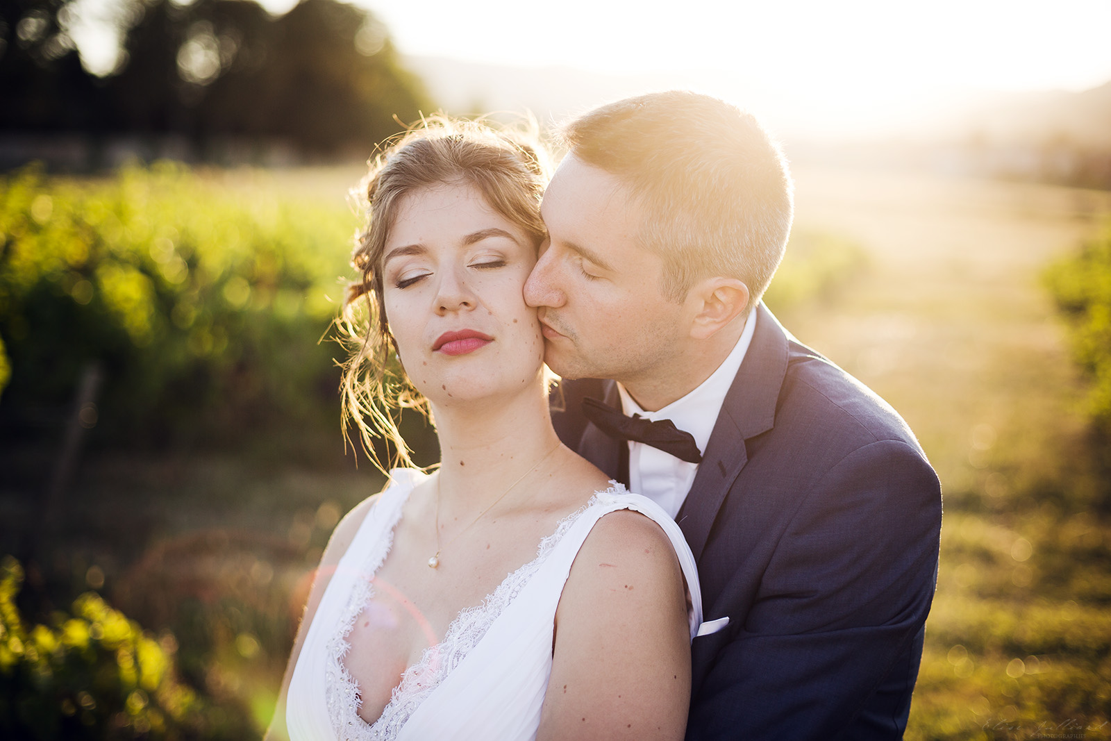 photographe-mariage-wedding-photographer-lyon-auvergne-rhone-alpes-domaine-de-benevant-benice-couple-portrait-beaujolais-12