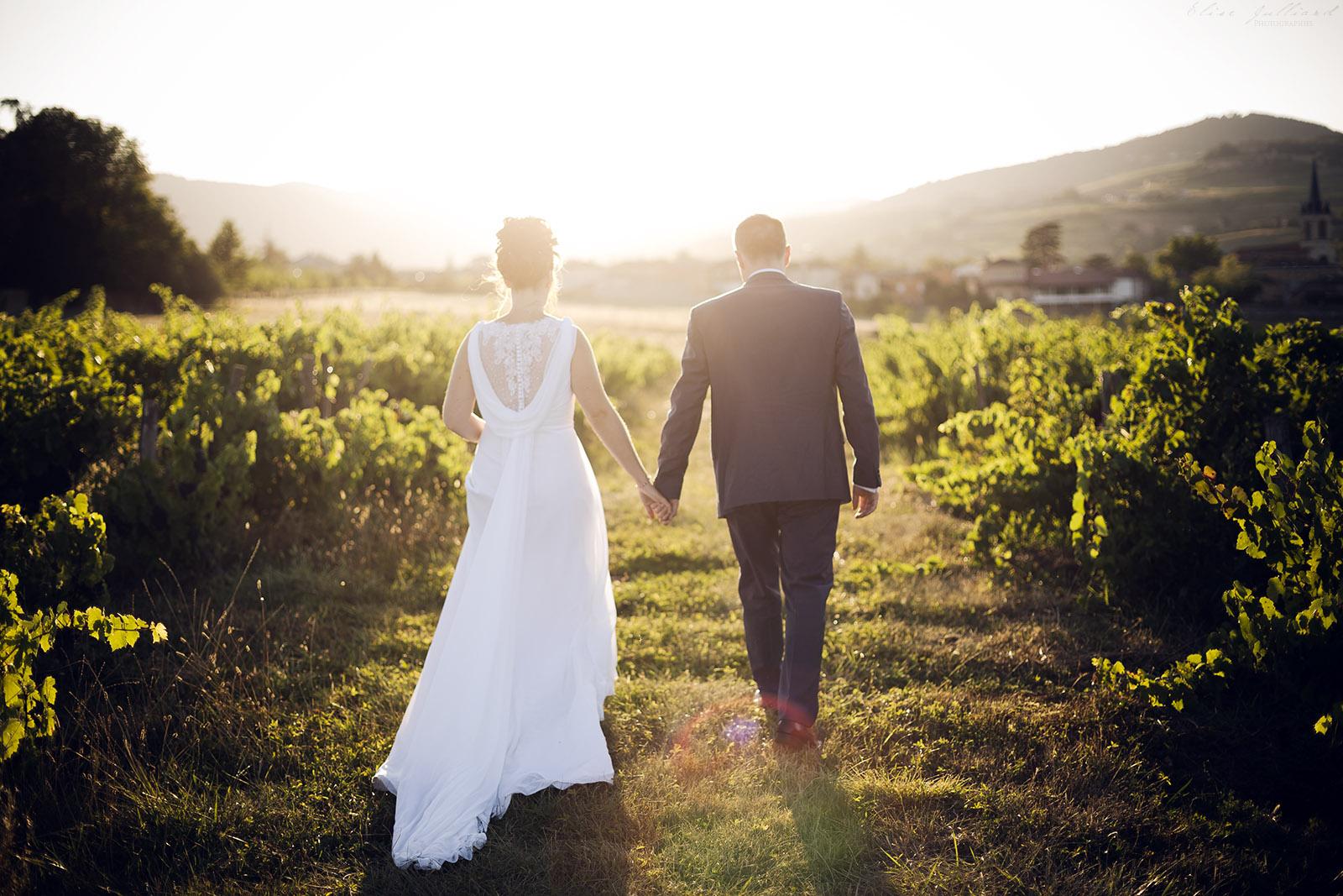 photographe-mariage-wedding-photographer-lyon-auvergne-rhone-alpes-domaine-de-benevant-benice-couple-portrait-beaujolais-9