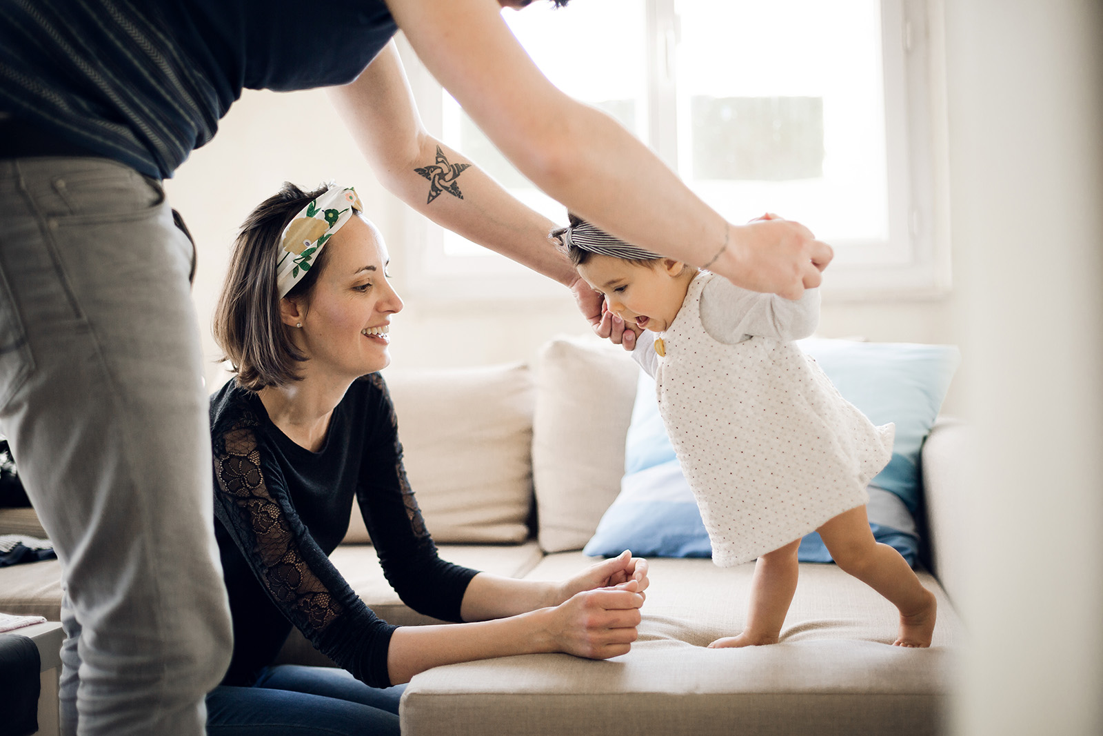 seance-photo-famille-bebe-enfant-maternite-elise-julliard-photographe-lyon-auvergne-rhone-alpes-ain-portrait-couple-3