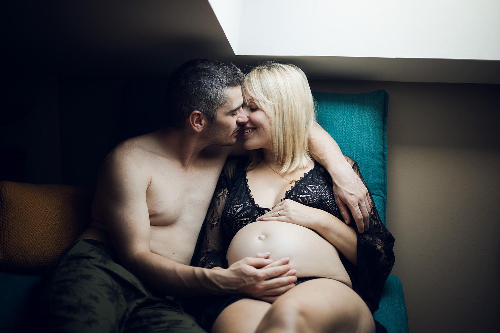 seance-photo-grossesse-portrait-couple-elise-julliard-photographe-lyon-auvergne-rhone-alpes-villefranche-sur-saone-beaujolais-love-session-famille-17