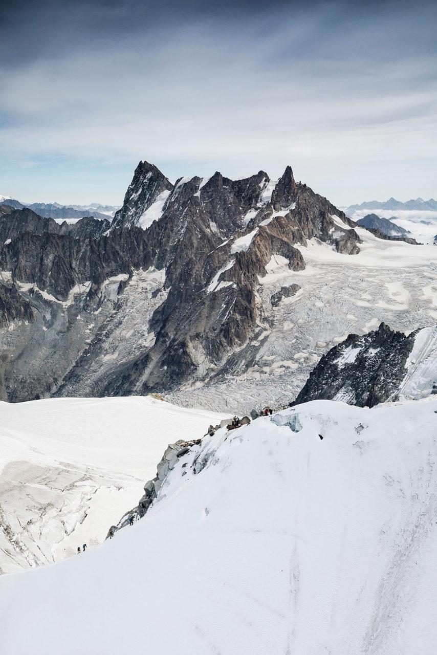 aiguille-du-midi-chamonix-massif-du-mont-blanc-alpes-alps-france-haute-savoie-elise-julliard-photographe-paysage-landscape-alpinisme-montagne-glacier-vallee-blanche-gros-petit-rognon