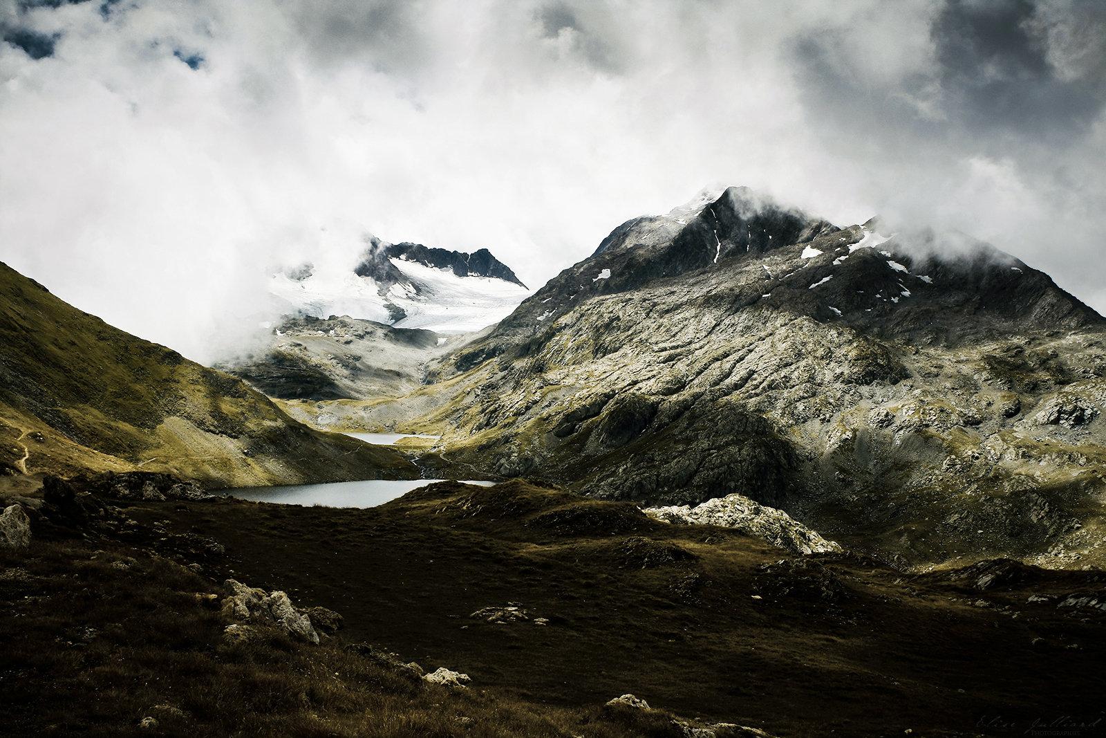 elise-julliard-photographe-photo-paysage-massif-des-grandes-rousses-savoie-etendard