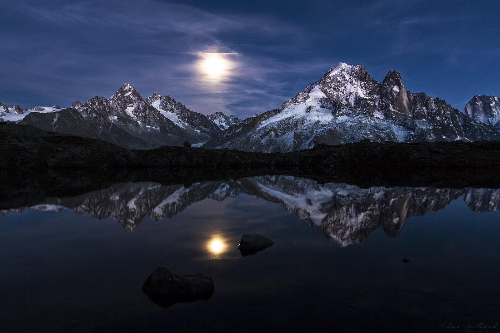 elise-julliard-photographe-photo-paysage-nuit-lune-haute-savoie-chamonix