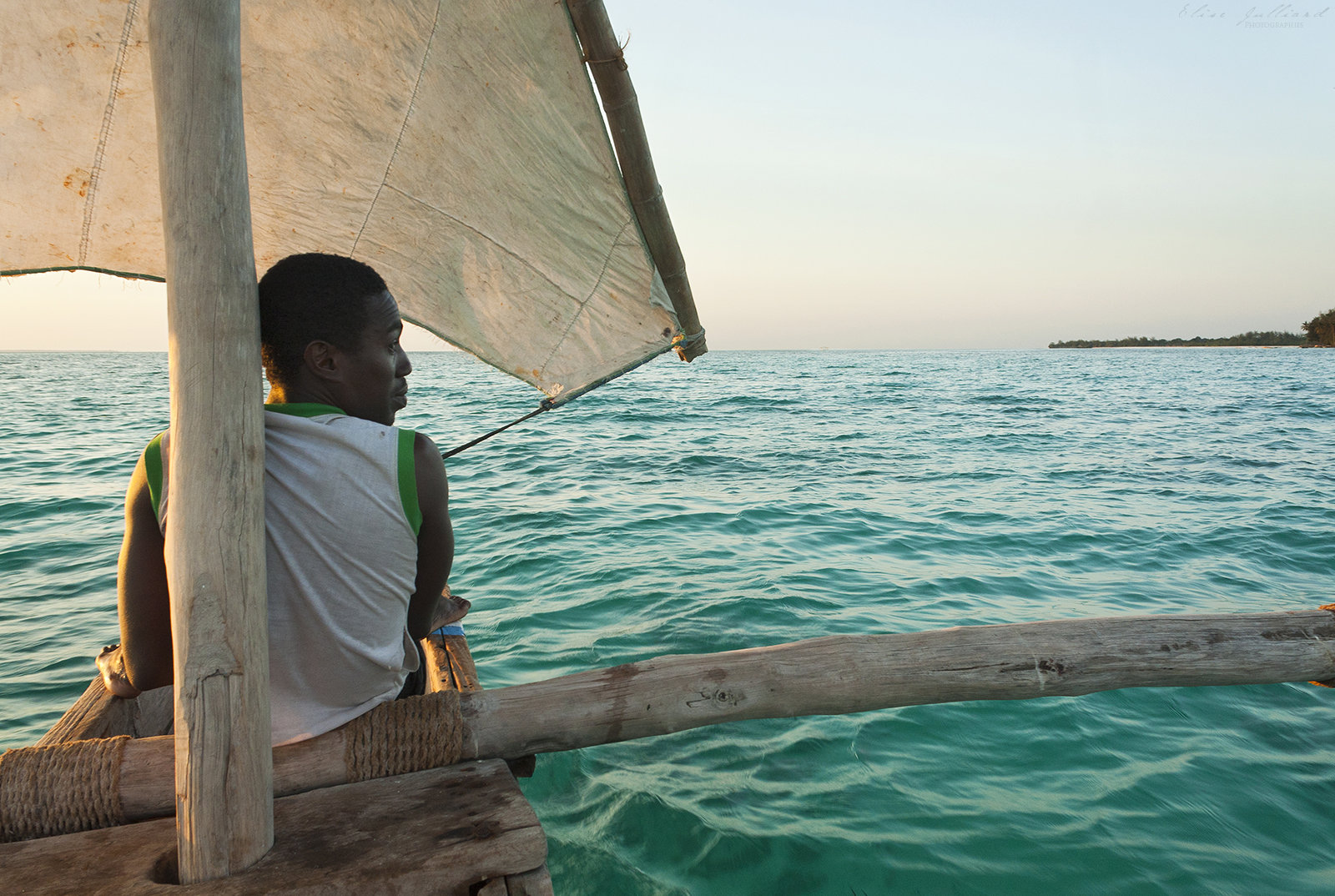 elise-julliard-photographe-photo-paysage-ocean-tanzanien-tanzanie-afrique-pirogue