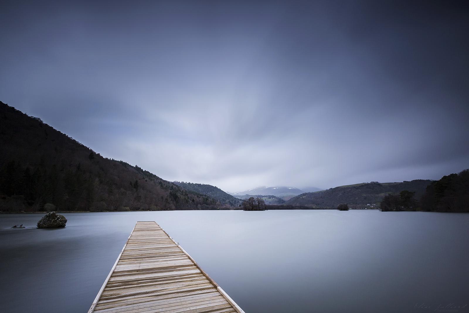 lac-chambon-auvergne-rhone-alpes-puy-de-dome-clermont-ferrand-paysage-elise-julliard-photographe-photo-pause-longue-massif-puy-de-sancy-volcan-mont-dore-massif-central