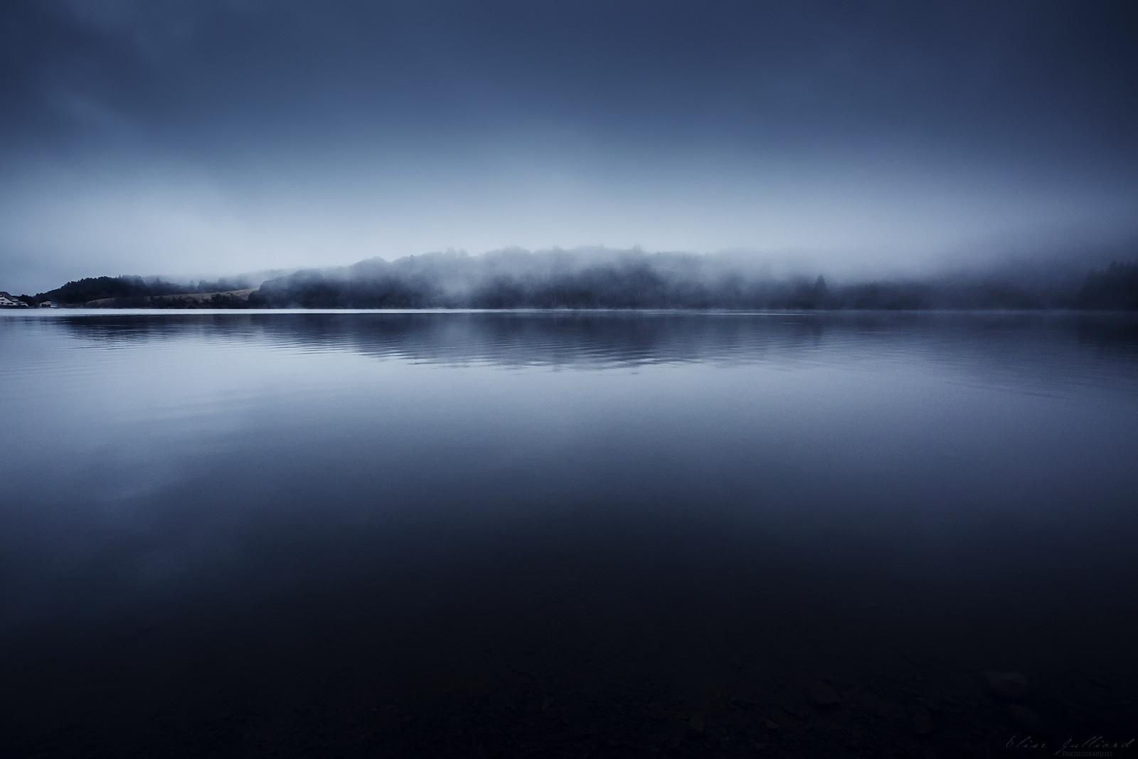 lac-de-guery-auvergne-rhone-alpes-puy-de-dome-clermont-ferrand-hiver-elise-julliard-photographe-lyon-paysage-brume