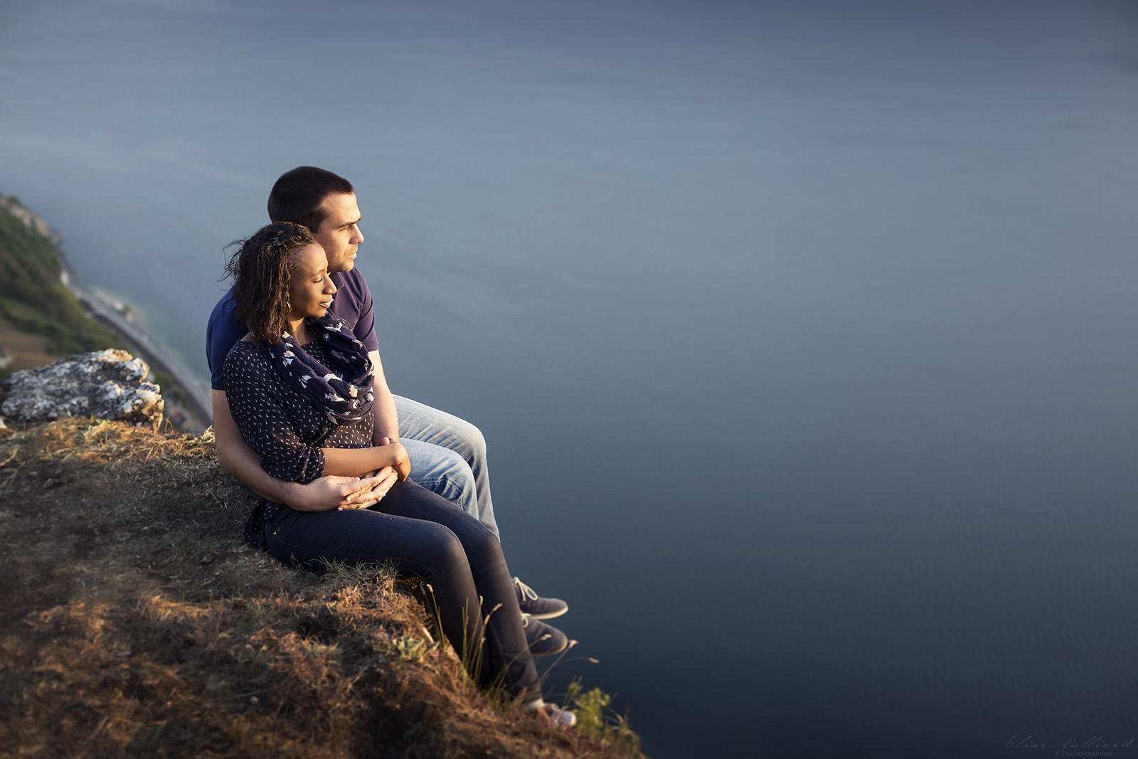 elise-julliard-photographe-lyon-rhone-alpes-mariage-amour-seance-photo-engagement-couple-love-session-wedding-lac-du-bourget-chambery-2