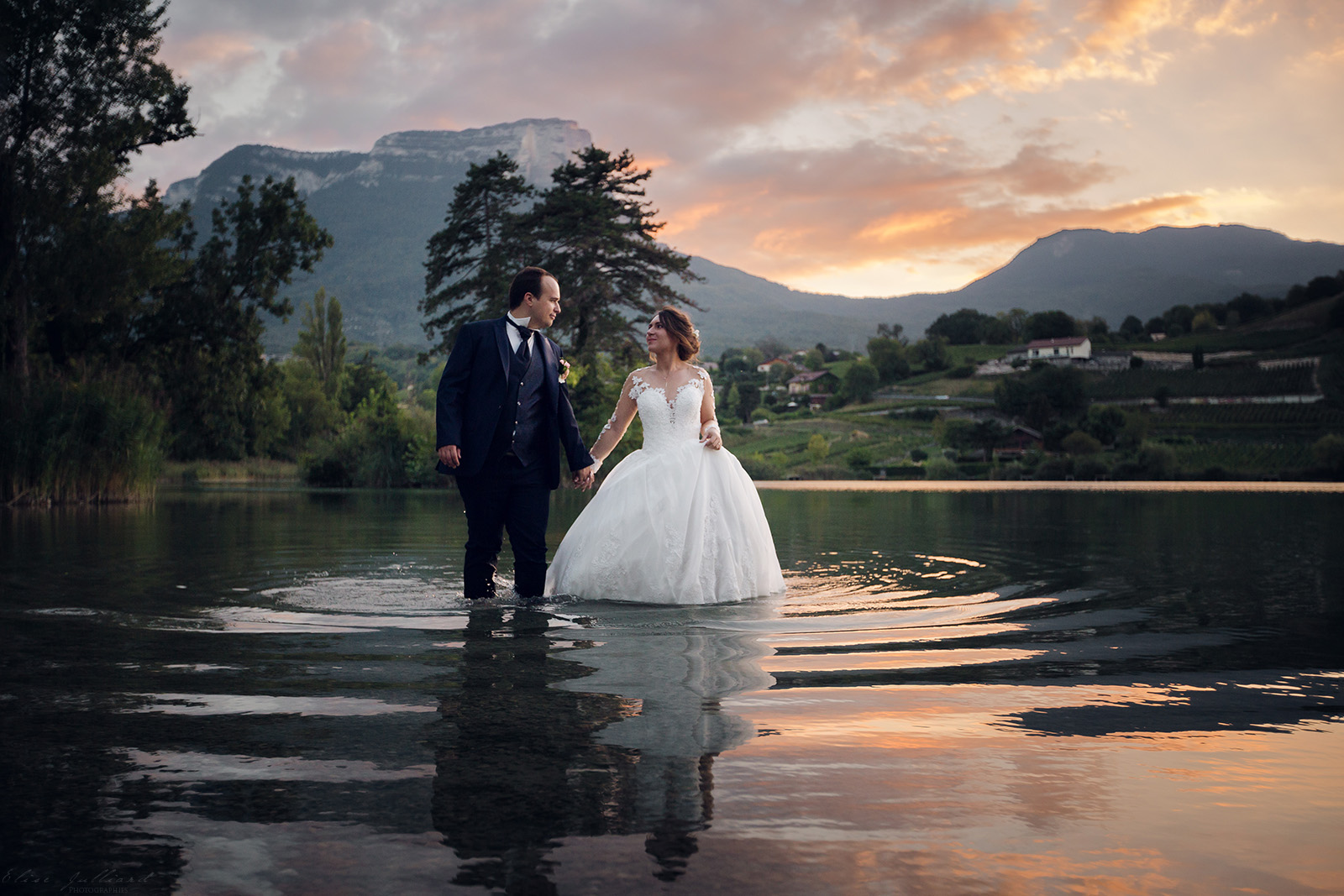 mariage-photographe-elise-julliard-wedding-love-session-lac-saint-andre-auvergne-rhone-alpes-lyon-chambery-seance-photo-couple-trash-the-dress-13