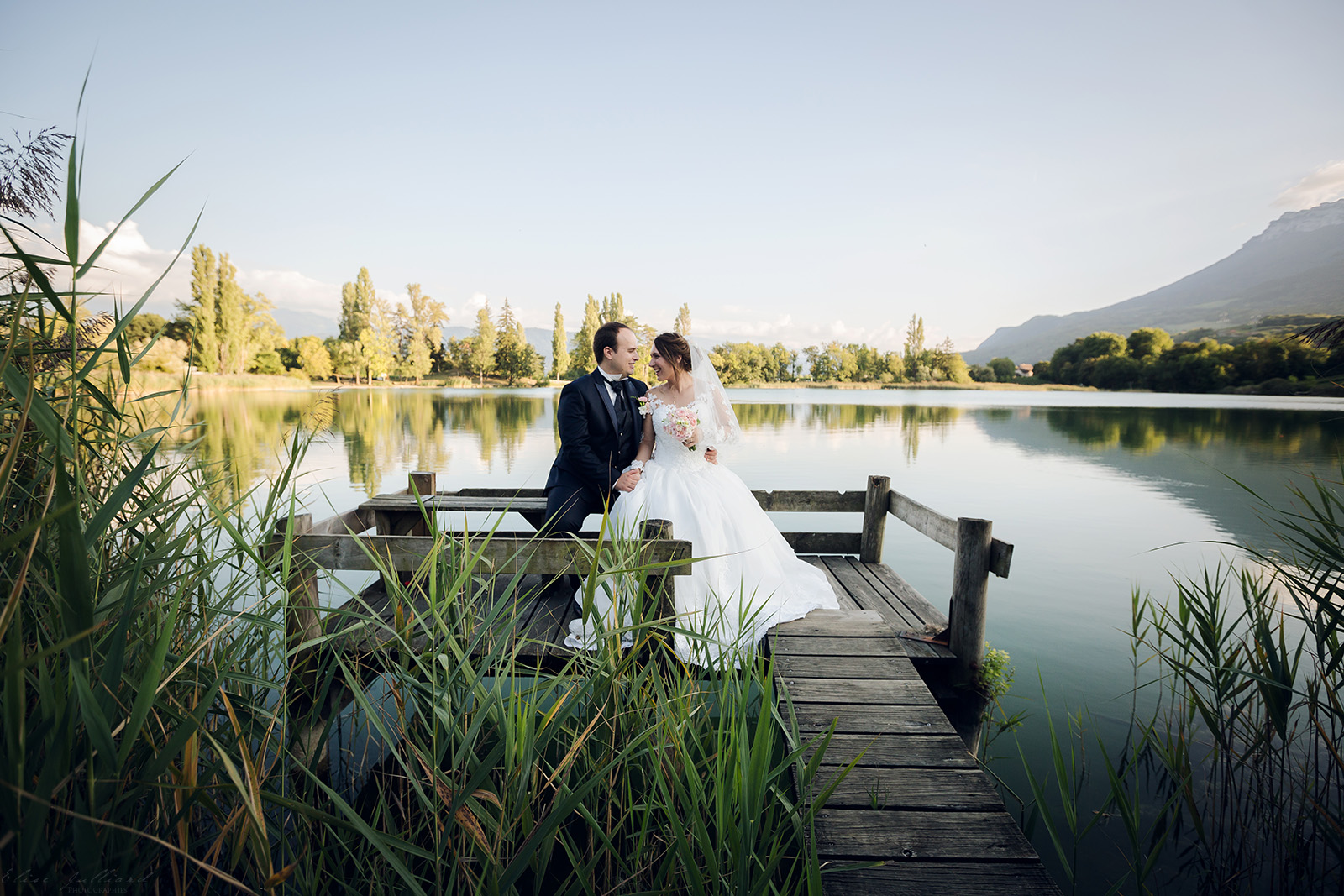 mariage-photographe-elise-julliard-wedding-love-session-lac-saint-andre-auvergne-rhone-alpes-lyon-chambery-seance-photo-couple-trash-the-dress-6