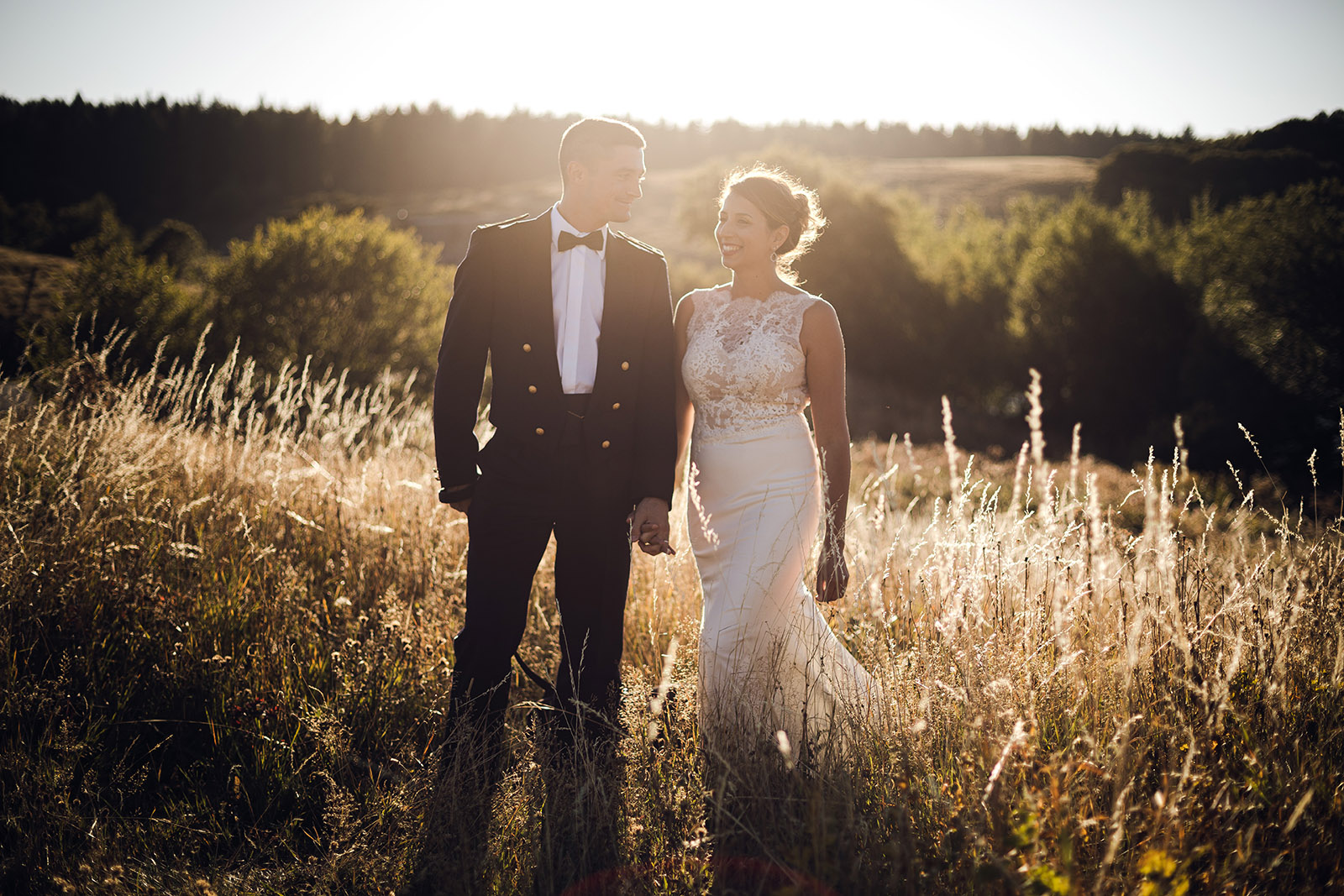 mariage-wedding-reportage-robe-de-mariee-clermont-ferrand-vichy-auvergne-rhone-alpes-photo-de-couple-photographe-photographer-elise-julliard-lac-de-guery-puy-de-dome-mont-dore-4