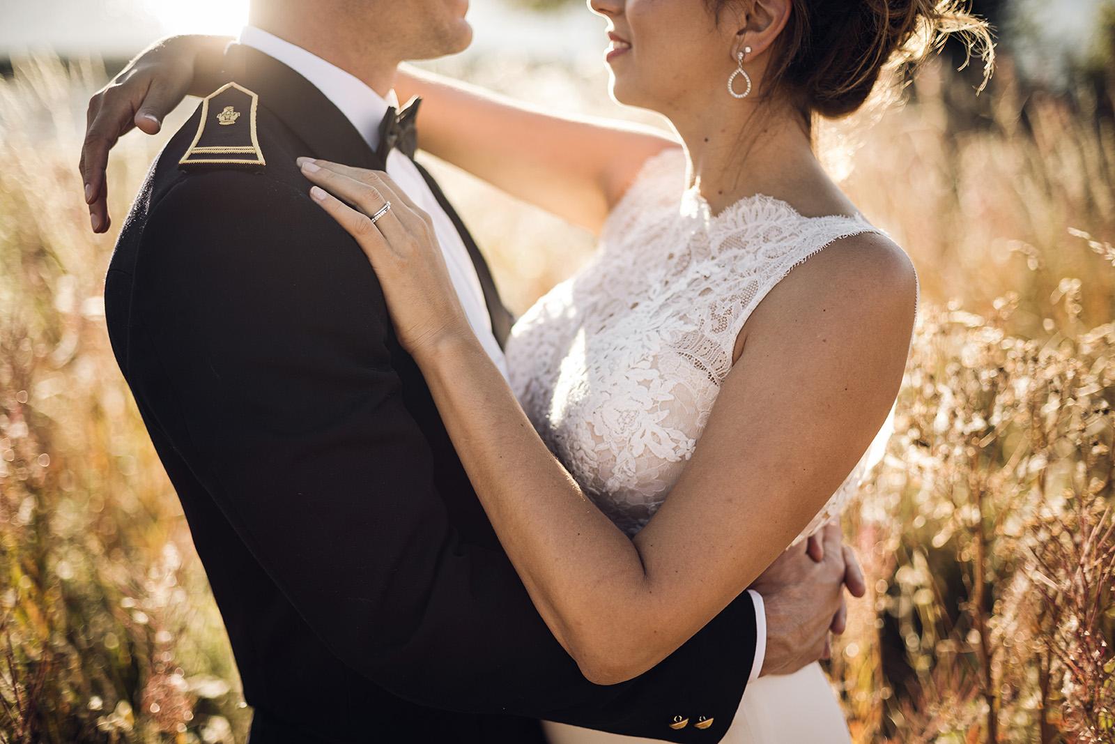 mariage-wedding-reportage-robe-de-mariee-clermont-ferrand-vichy-auvergne-rhone-alpes-photo-de-couple-photographe-photographer-elise-julliard-lac-de-guery-puy-de-dome-mont-dore