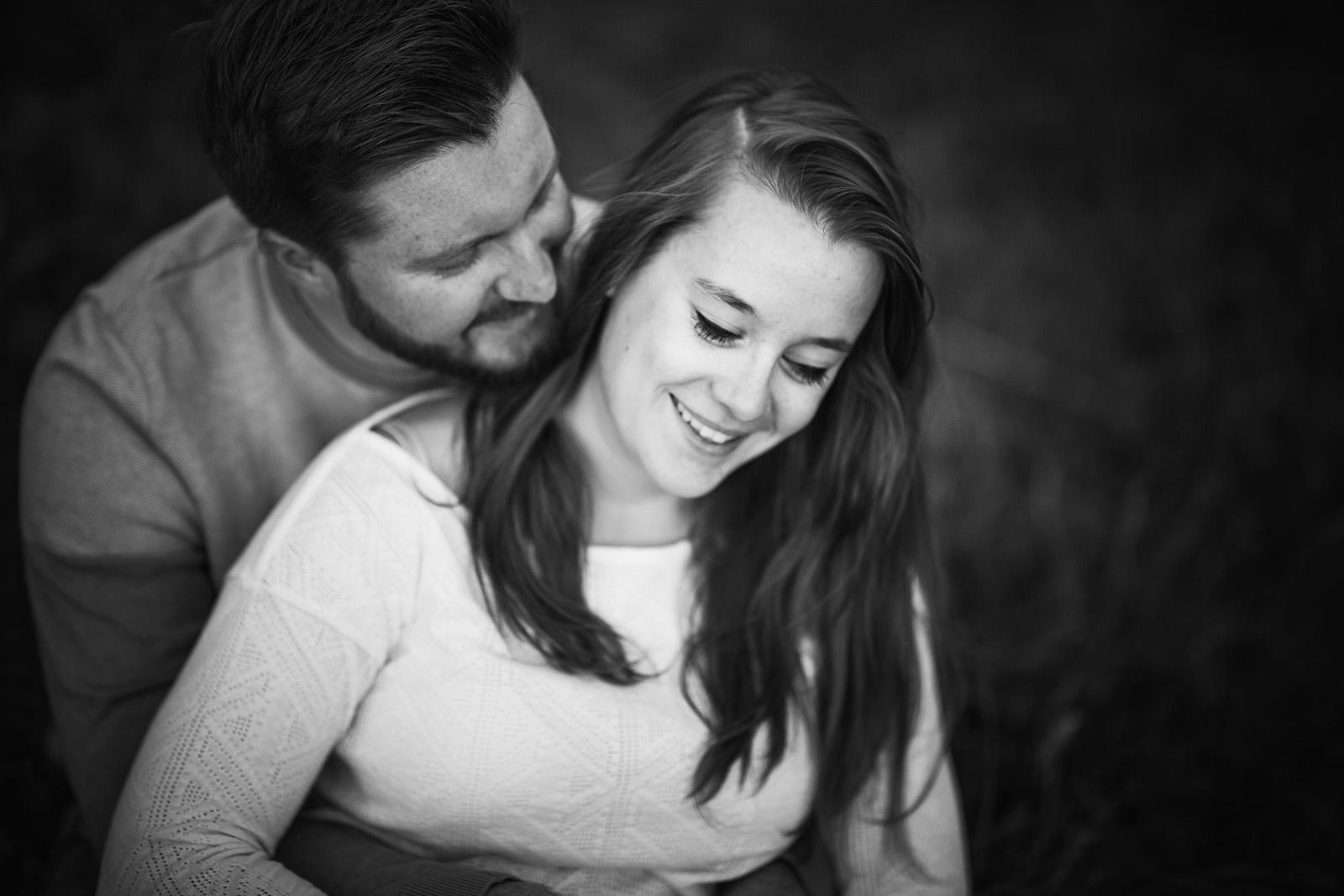 seance-photo-couple-engagement-grenoble-isere-montagne-chartreuse-vercors-elise-julliard-photographe-portrait-13