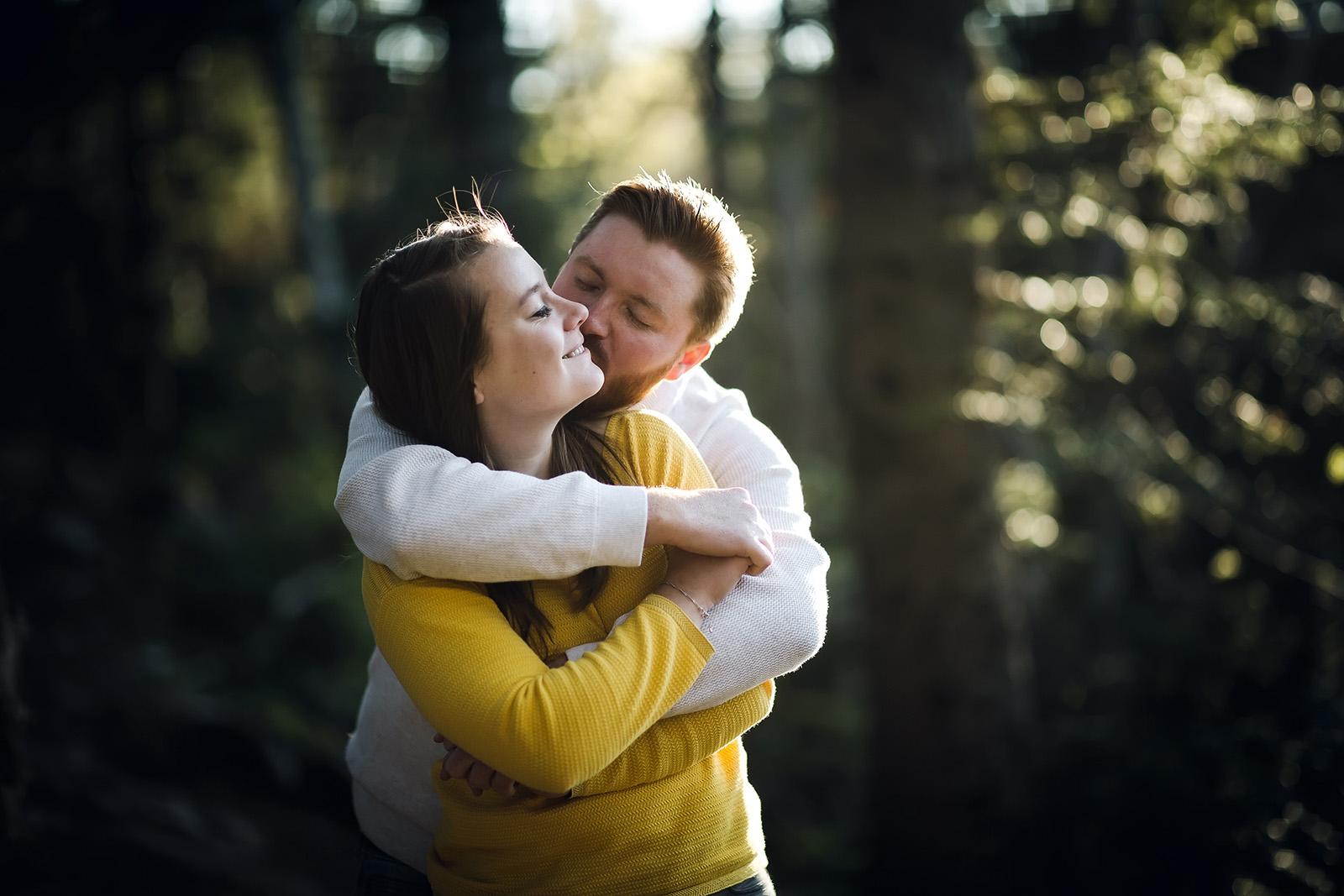 seance-photo-couple-engagement-grenoble-isere-montagne-chartreuse-vercors-elise-julliard-photographe-portrait-16