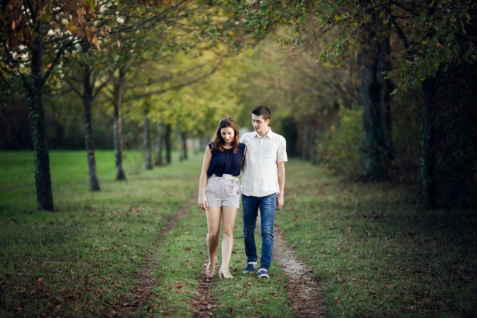 seance-photo-engagement-photographe-mariage-reportage-couple-lyon-auvergne-rhone-alpes-haute-savoie-isere-love-session-elise-julliard-wedding-photographer-11